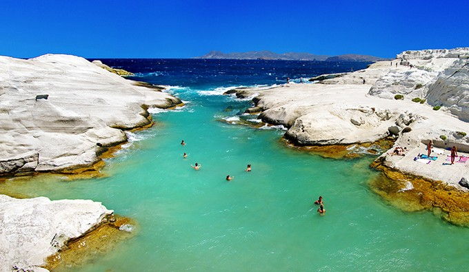 Dreamy beaches - Sarakiniko, Milos Island