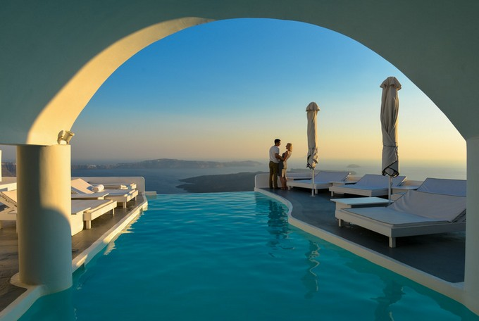 Greek islands honeymoon destinations santorini for Honeymoon packages santorini greece